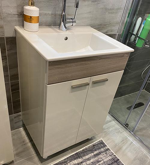 ПВЦ комплект мебели за баня бяло и кафяво 55 см