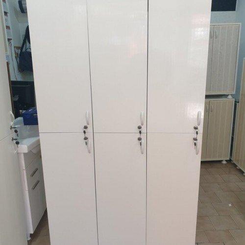 ПВЦ шкаф за съблекалня