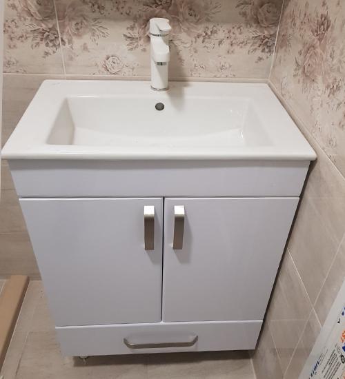 ПВЦ долен шкаф с мивка и чекмедже за баня лондон 55 см бял