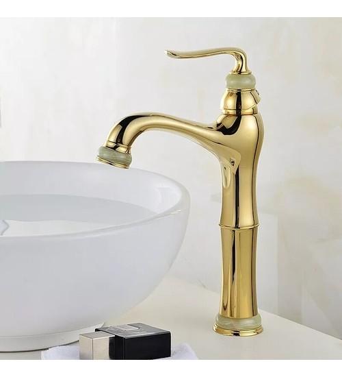 Стоящ смесител за баня златен Голд