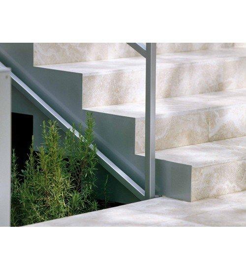 Травертин - естествен камък за стълби
